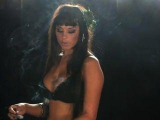 Danielle fetiche de fumar