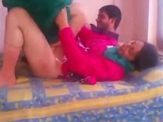 Indio aficionado bhabhi sexo en shalwar traje de ascensor y jodido duro