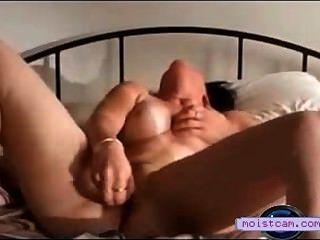 [Xxx cam] horney madura bofetadas juguetes en su coño mojado![Moistcam.com]