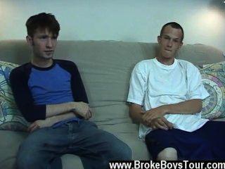Torin gay xxx pensó que él sólo saltaría a steven para hacer el trabajo,