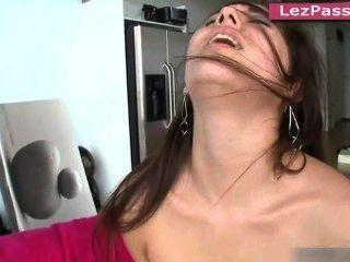 Pornostars lesbianas mercedes lynn, dani daniels, jennings shyla jodiendo