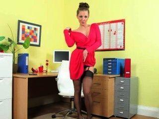 Increíblemente caliente secretaria solo tira
