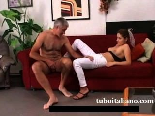 Nipotina e zio trombano amateur italiano