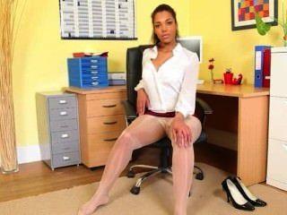 Pantyhose y exóticos desnudarse sólo