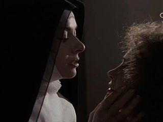 Anne heywood y martine brochard en las monjas de santo arcángel