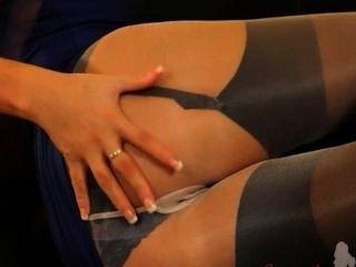 Blondie en pantyhose de nylon increíble