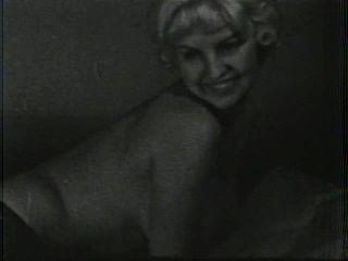 Softcore nudes 131 de 40s a 60s escena 2