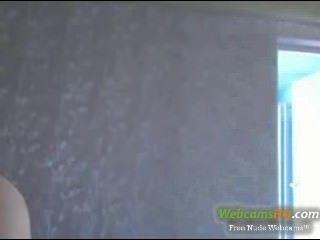 Más hottest rubia nerdy 19yo con gafas de color amarillo en la webcam