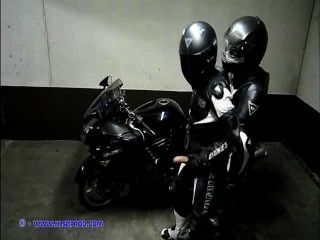 Motocicleta de cuero gay (leatherbiker)