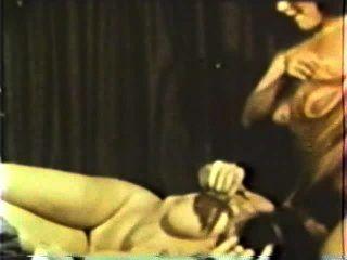 Lesbianas peepshow loops 586 70s y 80s escena 4