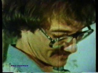 Peepshow loops 84 70s y 80s escena 3