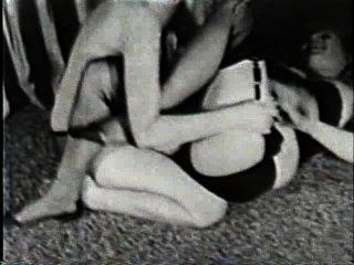 Softcore desnudos 170 50s y 60s escena 2