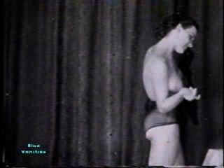 Softcore desnudos 115 40s y 50s escena 3