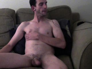 Desnudo y duro