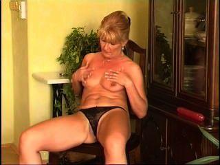 Secrets of horny mature 7 escena 2