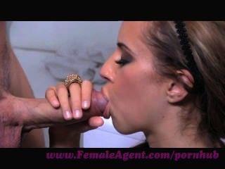 Agente femenino.El lenguaje universal de la lujuria