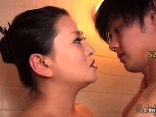 Mamá paso enfermo para su hijo para romper el cuerpo virgen kitajima ling