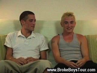 Caliente escena gay en medio de ella, Joe anunció que este tipo era un plan