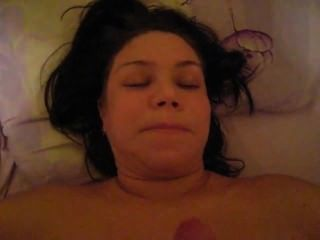 Esposa está haciendo mamada entonces cum en su cara