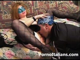 Coppia italiana en vídeo porno amatorial vero mogli troie italiane