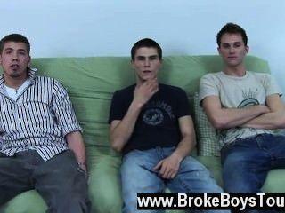 Xxx gay en el futon hoy, tenemos shane y braden mientras que también saludo