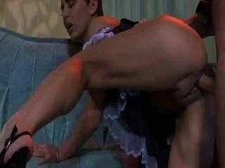 Caliente esclava madura follando a un joven
