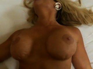 Queremos saber quién es ella! ??