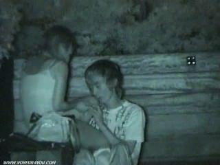 Sexo público sexo atrapado en la cámara oculta