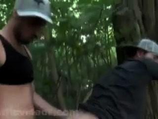 Matt se fait doser en las maderas por cristiano