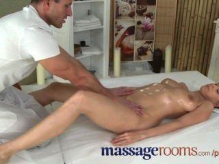 Salas de masaje córnea jóvenes tetas grandes niña tiene punto g orgasmo antes facial