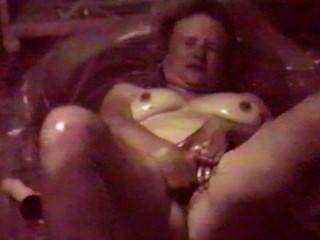 Mi espectáculo de mazolla.Masturbándose para los chicos.