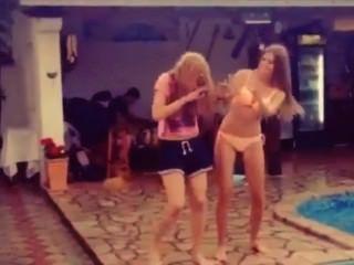 Ena le gusta bailar