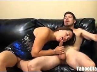 Sucia milf mamá con no su hijo