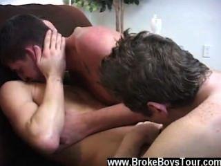 Escena gay sorprendente golpeando lejos en el dude recto donk austin escogido