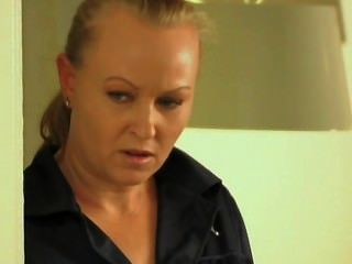 Kvinnofangelset hart gefickt im frauen de la sander