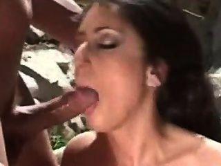 Latina le encanta en el culo