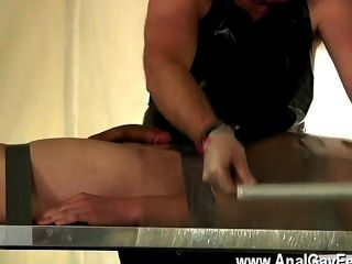 Gay clip de twink alex ha sido un esclavo muy malo, robando el spunk