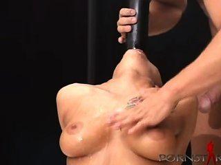 Nacho abusando belladonna con béisbol bat escena completa