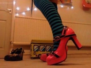 Esclavos sarcásticos con calcetines nuevos