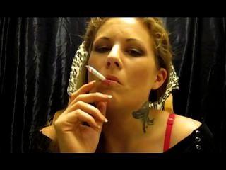 Miss erato fuma