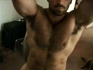 Músculo stud mostrando ocultos axila en webcam