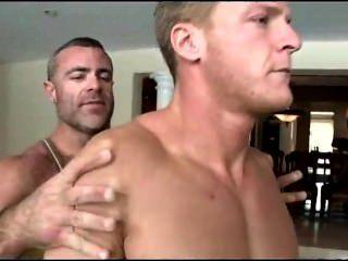 Viajando massaeur hombre desnudo recto