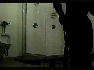 Cámara oculta clásica en la ducha i