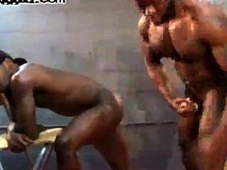 Culo musculoso follando culo dat