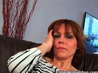 Las madres peludas dan a sus peludos coños un convite