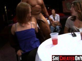 25 strippers se sopla en la fiesta del sexo cfnm 07