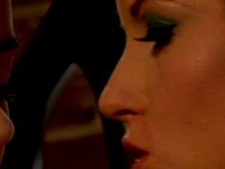 Nikki rhodes y taylor vixen lesbianas toe tonguing babes