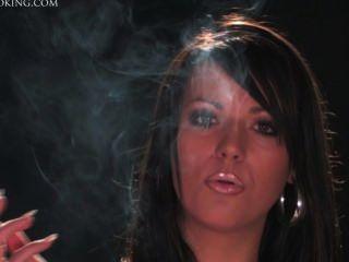 Rachel fumando 6
