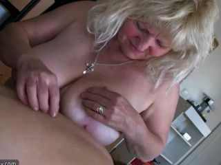 Sexo con una abuela gorda