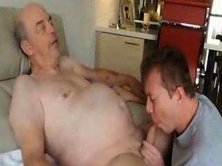 Comiendo cum abuelo